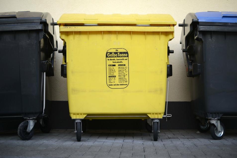 Im Vergleich zum gedruckten Abfallkalender haben sich die Termine zur Leerung der gelben Tonne in Bischofswerda um fünf Tage nach vorn verschoben - zumindest auf Tour 2.