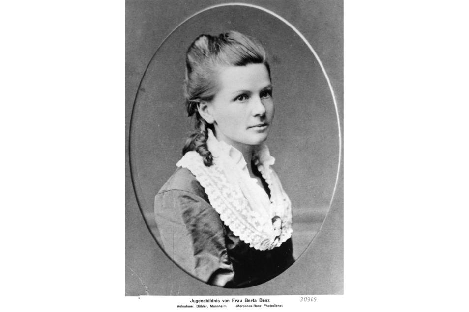 Keine Sächsin, aber ein Vorbild für viele Unternehmerinnen: Bertha Benz (1849-1944), eine Pionierin des Automobils. Sie gab ihrem Mann Carl Benz das Wagniskapital, damit er das erste praxistaugliche Auto bauen konnte.