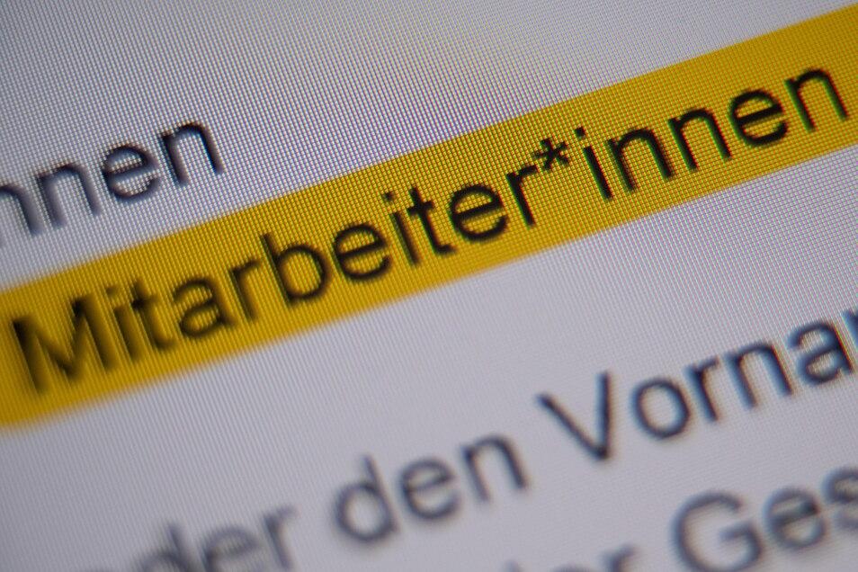 """Eine Formulierung in gendergerechter Sprache wie """"Mitarbeiter*innen"""" verwenden die Mitarbeiter im Radebeuler Rathaus nicht. Sie halten sich an die Vorgaben des Rats für deutsche Rechtschreibung."""