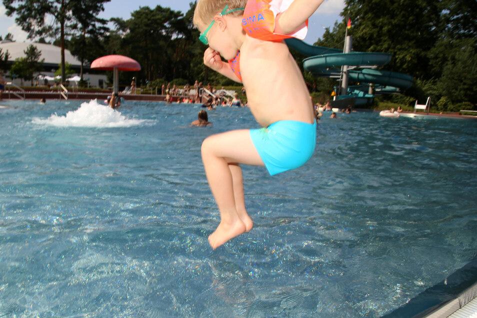 Ehe Kinder wieder so entspannt in die Fluten springen können, wird es wahrscheinlich noch eine Zeit dauern. Im Nieskyer Waldbad bereitet man trotzdem gewissenhaft die neue Saison vor.