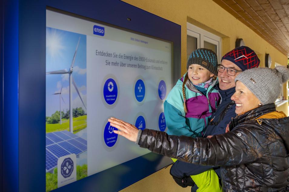 Hier wird Strom sichtbar. Besucher in Altenberg können sich jetzt über die erneuerbaren Energien informieren.