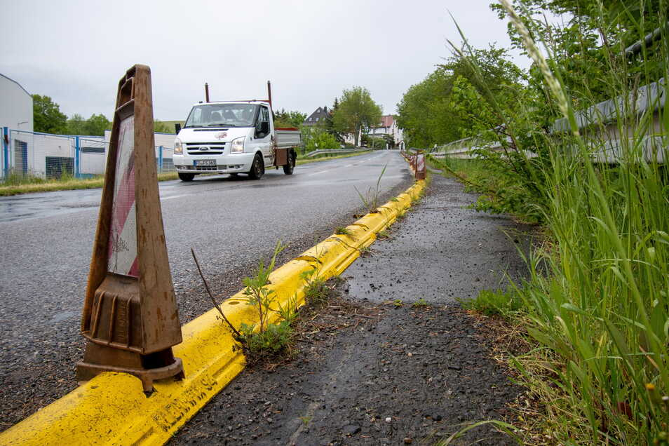 Dieser provisorische Schutzweg an der S34 in Leisnig/Fischendorf wird nach der Erneuerung der Fahrbahn genau wieder so hergestellt.
