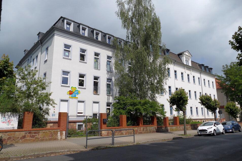 Ein 28-Jähriger soll vor der Kunzemannschule in Döbeln Kinder gefilmt haben.