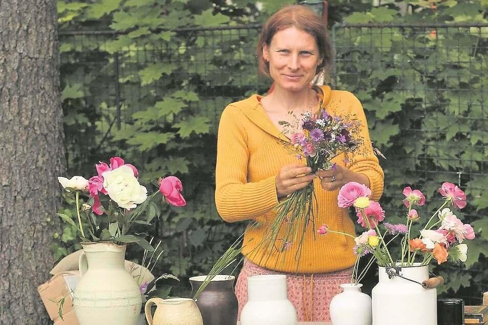 Floristin Jana Krupová nutzt für ihre Sträuße nur heimische oder im Isergebirge gezüchtete Pflanzen.