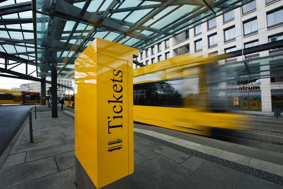 Die Tickets für Bus und Bahn sollen in Dresden künftig nur noch einen Euro pro Tag kosten, meinen CDU, Linke und Freie Wähler.