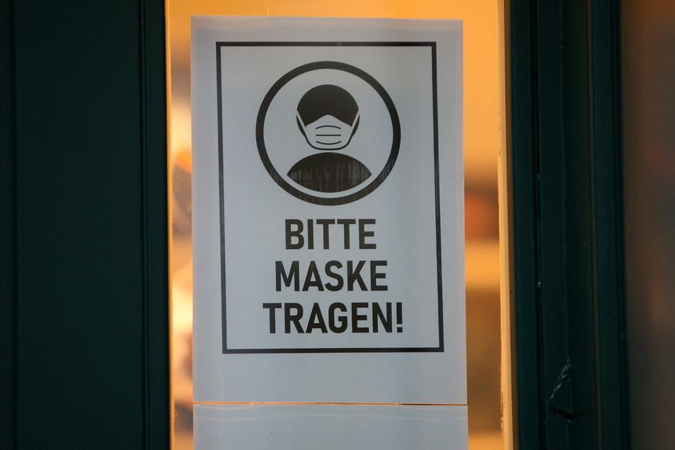 Ohne Maske keine Sitzung: Weil zwei AfD-Räte ihre Maske nicht richtig tragen wollten, wurde die Ausschusssitzung abgebrochen.