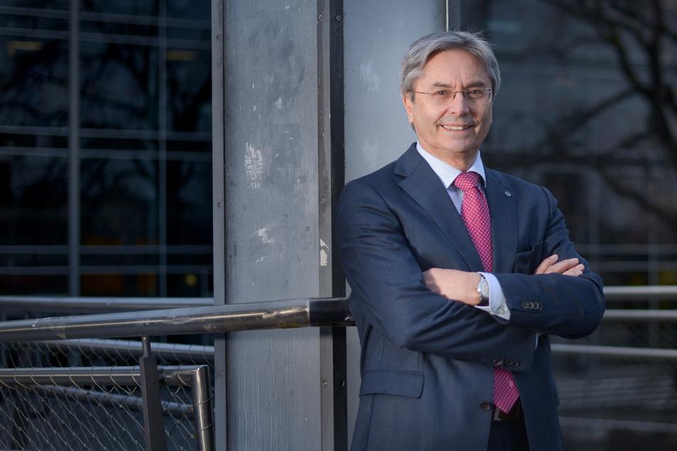 Zehn Jahre war Hans Müller-Steinhagen Rektor der TU Dresden, verlässt seinen Posten aber im August. Auch künftig bleibt er der Landeshauptstadt erhalten.