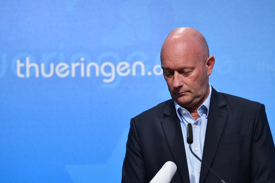 Thüringens Ministerpräsident Thomas Kemmerich bei der Verkündung seines geplanten Rücktritts.