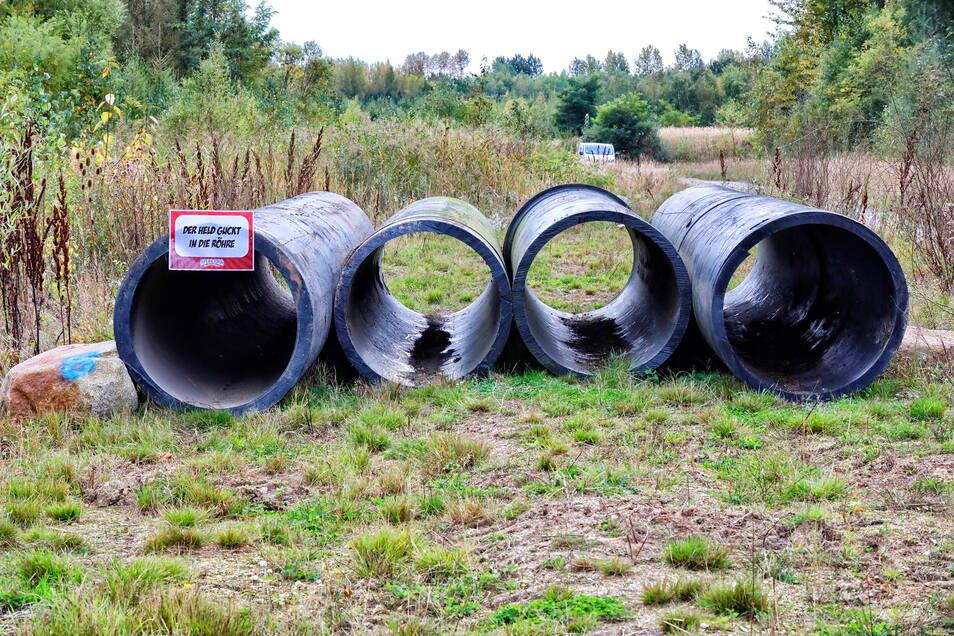 So sehen die Röhren - eines von 20 Hindernissen auf der rund neun Kilometer langen Strecke - aus. Die Hürden sind machbar, meist auf verschiedene Weise.