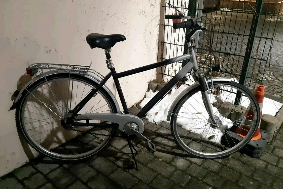 Dieses Fahrrad haben Beamte sichergestellt.