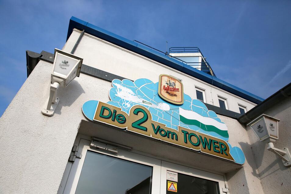 """SeitHerbst ist die Gaststätte """"Die Zwei vom Tower"""" am Flugplatz verwaist."""