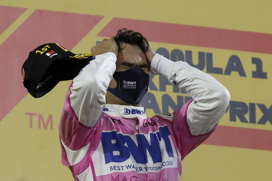 Nicht zu fassen. Sergio Perez kann es kaum glauben.
