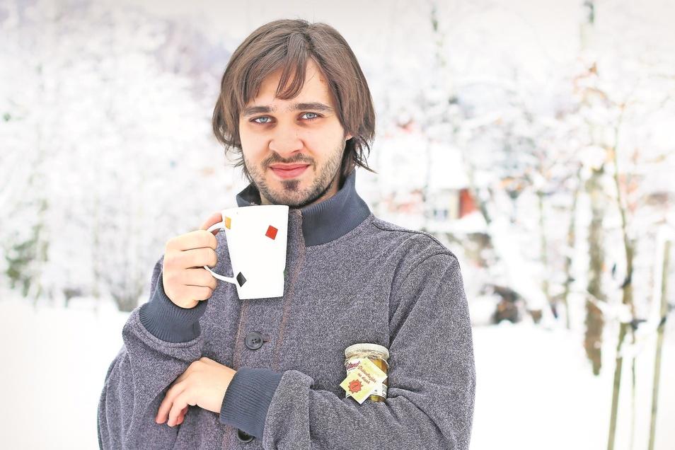 Ondøej Linhart verknüpfte eine alte Reisebeschreibung mit Teeherstellung.