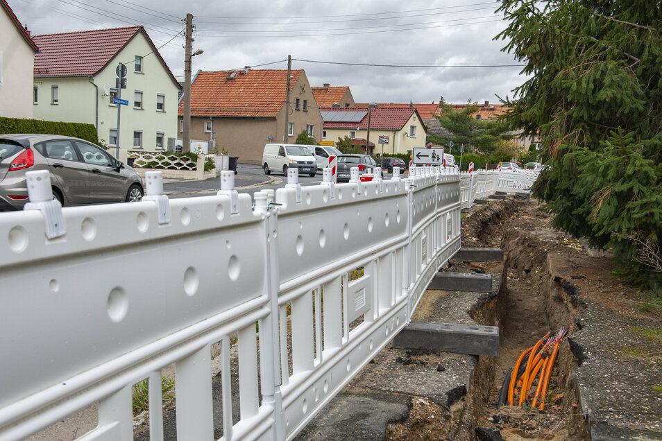 Dörfer wie der Großenhainer Ortsteil Folbern wurden von privaten Firmen beim Breitbandausbau oft links liegen gelassen. Jetzt übernehmen Gemeinden und Kreis diese Aufgabe.