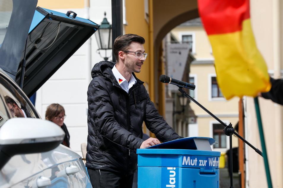 AfD-Landtagsabgeordneter Mario Kumpf hatte am Sonntag zu einer Corona-Kundgebung auf dem Löbauer Altmarkt aufgerufen.