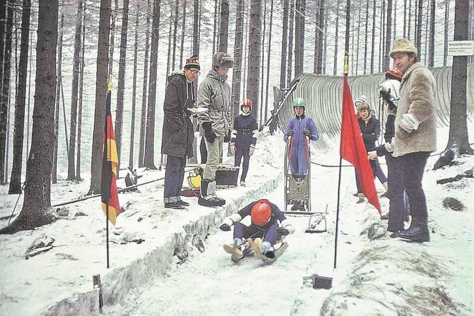 Im Januar 1971 konnte die Kunstrodelbahn eröffnet werden.