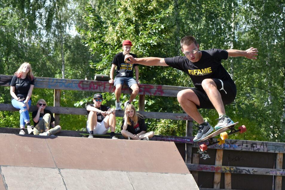 Der Skaterpark an der Zittauer Brückenstraße ist beliebter Treffpunkt sportbegeisterter Jugendlicher. Die sammeln jetzt Unterschriften für seinen Erhalt.