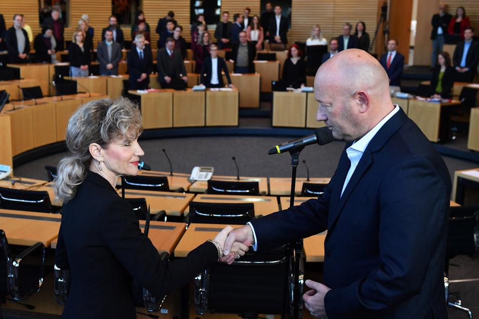 Birgit Keller (Die Linke), Landtagspräsidentin, von Thüringen, gratulierte ebenfalls.