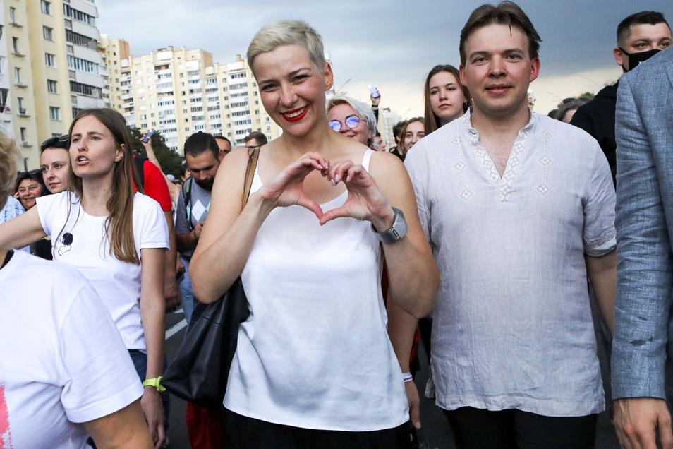 Maria Kolesnikowa (M) bei einer Demonstration.