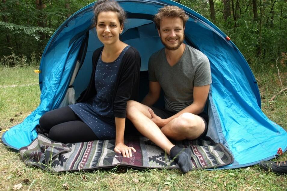 """Anne-Sophie Hußler und Patrick Pirl sind Campingfans. Mit ihrer innovativen und nachhaltigen Campingurlaub-Idee """"1 Nite Tent"""" konnten sie im Rahmen des Wettbewerbs """"So geht sächsisch"""" überzeugen und einen von acht Preisen erringen."""