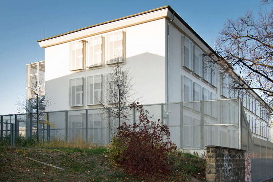 Blick auf die Abschiebehaftanstalt an der Hamburger Straße in DResden.