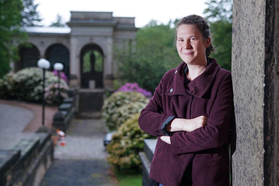 Auf dem Neuen Annenfriedhof möchte Lara Schink ein Stück Dresdner Stadtkultur bewahren.