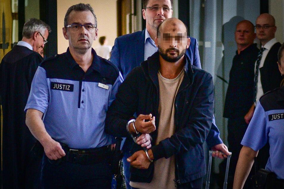 Eine Woche nach der Tat stand Hosni S. vor dem Amtsgericht Dresden. Er hat gestanden und gesagt, er werde so etwas nicht wieder tun.