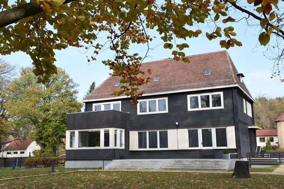 Das Wachsmannhaus auf der Bautzener Straße (im Foto) und das Raschkehaus am Zinzendorfplatz sind ab Montag wieder offen.