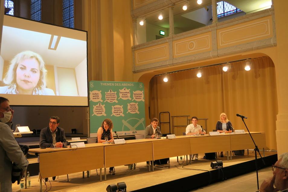 Mittelsachsens Direktkandidaten während des Wahlforums (von links): Stefan Hartmann (Linke), Lea Fränzle (Grüne), Alexander Geißler (SPD), Philipp Hartewig (FDP), Carolin Bachmann (AfD) und zugeschalten Veronika Bellmann (CDU).