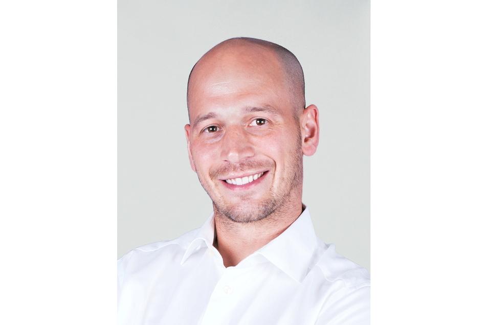 Der Leipziger Zahnarzt Dr. Rasmus Sperber wollte in Glashütte eine Zweigpraxis eröffnen. Doch die Kassenzahnärztlichen Vereinigung (KZV) lehnt das ab.