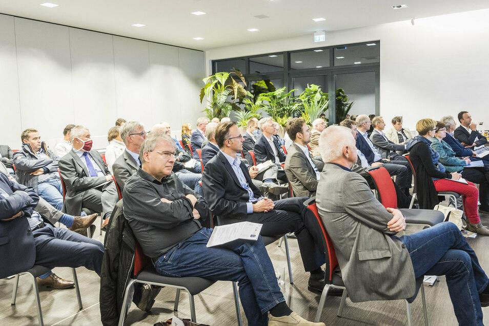 Unternehmer, Manager, Politiker, Behördenvertreter: Beim Treffen des Vereinigten Riesaer Wirtschaftsforums im Riesaer Handelshof trafen Verantwortliche aus Sachsen, dem Kreis Meißen und Riesa zusammen.