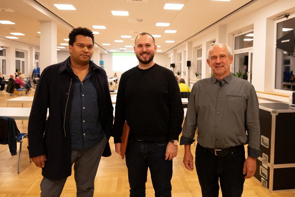 Sie leiteten den Deal ein, durch den bald 50 Eigentumswohnungen in Nöthnitz entstehen könnten: Investor Manuel Brunzel, Schlossbesitzer Jan Horsky und Architekt Lutz Horn-Läßig (v. l.).