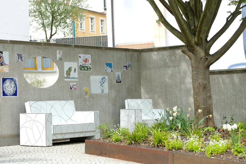 Das Wohnzimmer in der Görnischen Gasse rückt die Meissener Porzellankunst in den Vordergrund. Auf dem Porzellanweg zwischen Albrechtsburg und Manufaktur sind noch weitere solcher Atrraktionen geplant.