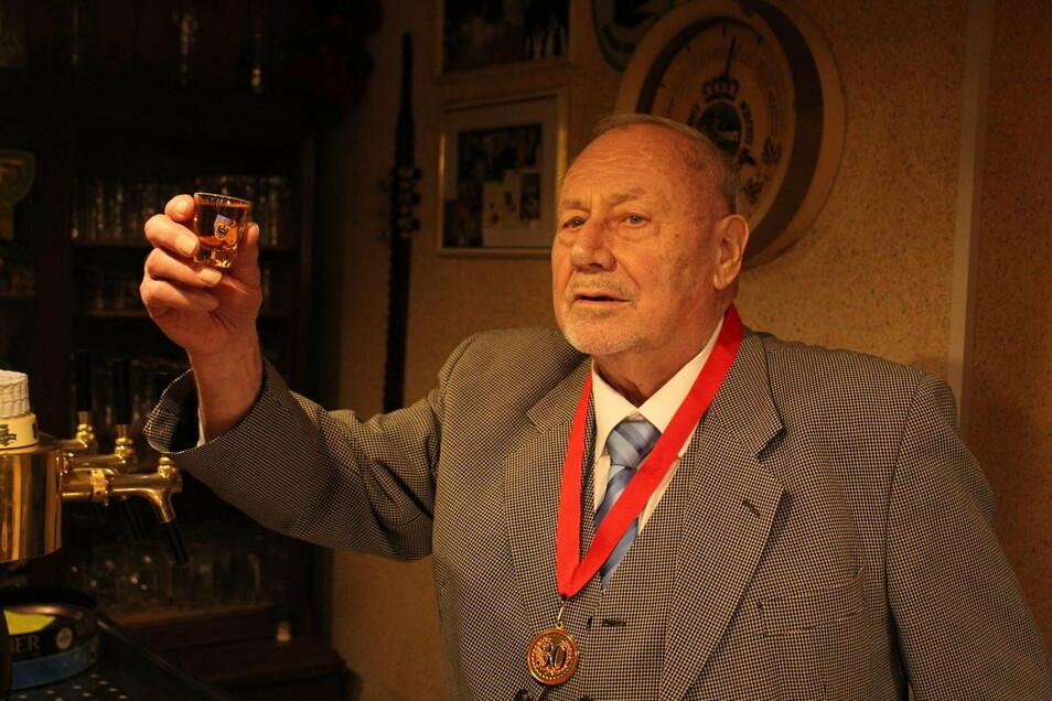Manfred Lehmann wird am 10. Januar 85 Jahre alt. Geboren wurde er in Borda, ganz in der Nähe von Reichenbach.