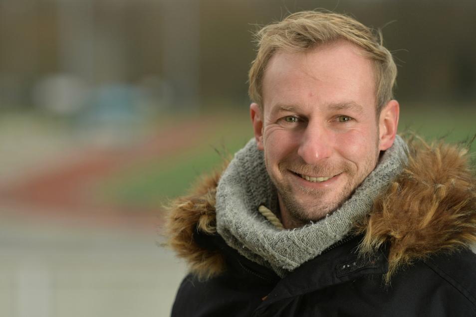 Oliver Herber, 39 Jahre, ist seit 2011 beim VfL Pirna-Copitz als Geschäftsführer tätig. Früher stand er bei Dynamo im Tor, jetzt macht er sich für den Amateur- und Freizeitsport stark.