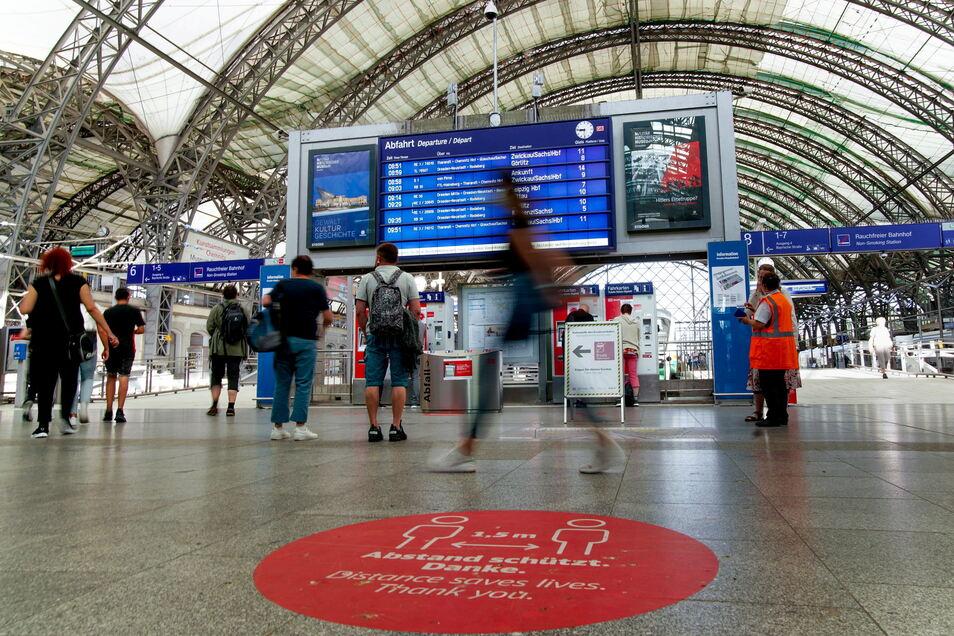 Die GDL hat einen zweiten Streik ausgerufen, um ihren Forderungen nach mehr Lohn Nachdruck zu verleihen. Auch in Dresden stehen viele Züge still.