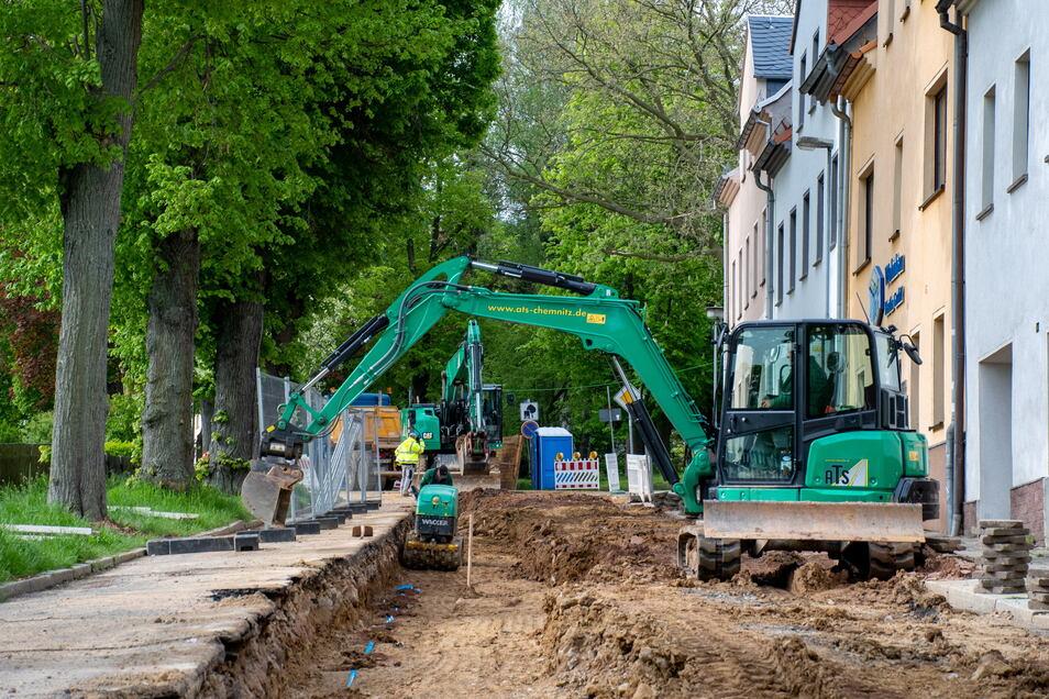 Die Sonnenstraße ist seit einigen Monaten eine Baustelle. Der Abwasserzweckverband arbeitet in der Tiefe. Doch nun will die Stadt auch die Straße grundhaft ausbauen.