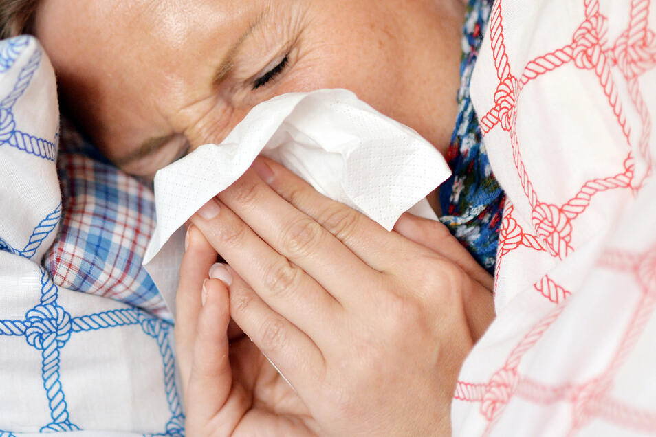 Die Zahl der Grippe-Neuerkrankungen ist leicht zurückgegangen.