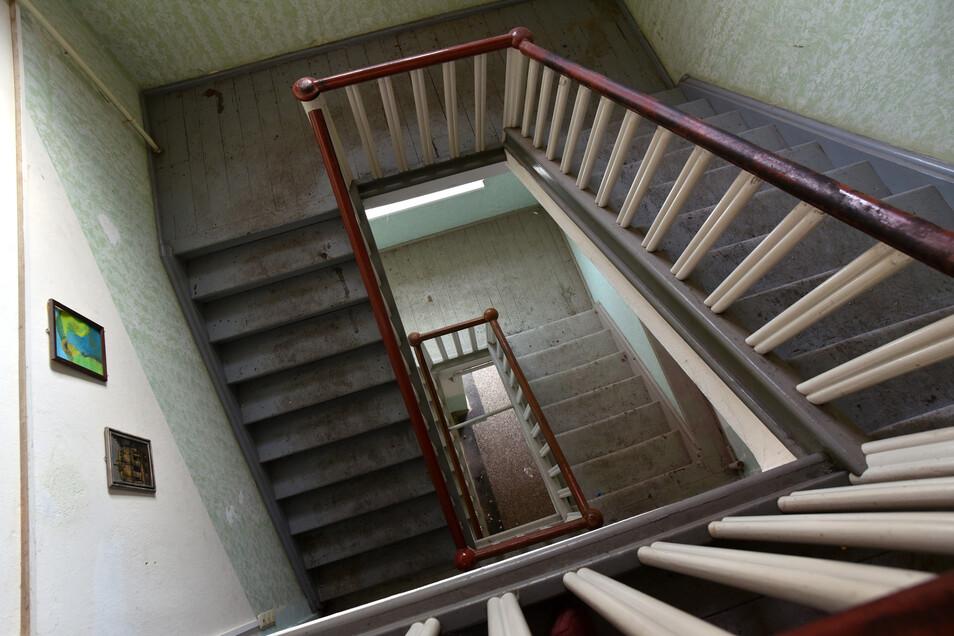 Das Treppenhaus des 1820 errichteten Hauses ist mit Holztreppen versehen.