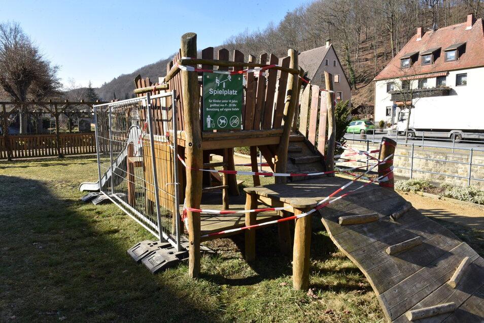 Vom gesperrten zum Lieblingsplatz: Der Spielplatz in Berggießhübel soll fast komplett mit Fördergeld wieder freigegeben werden.