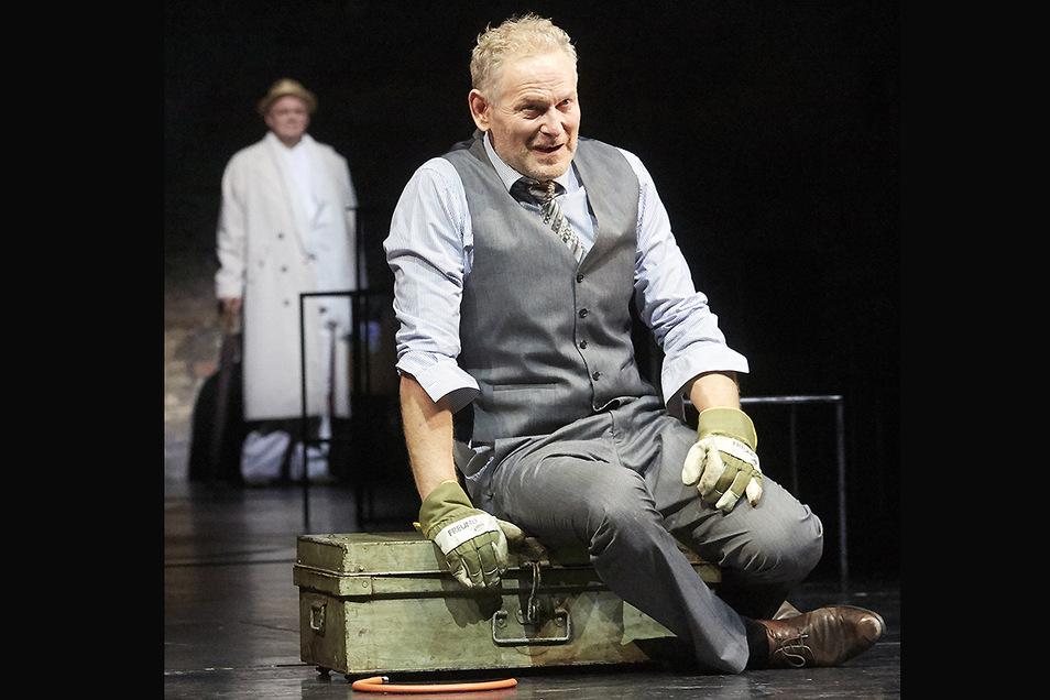 """Der Schauspieler Jürg Wisbach: In Bern spielt er in """"Tod eines Handlungsreisenden"""" von Arthur Miller die Hauptrolle."""