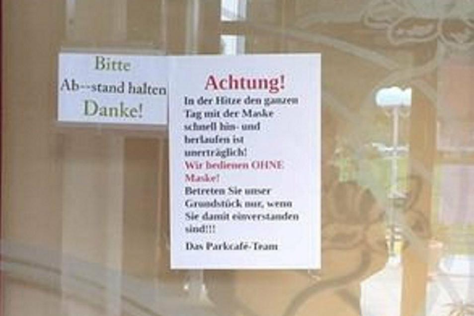 Am Eingang kann jeder lesen, was ihn im Bahnhofscafé Bad Gottleuba erwartet.