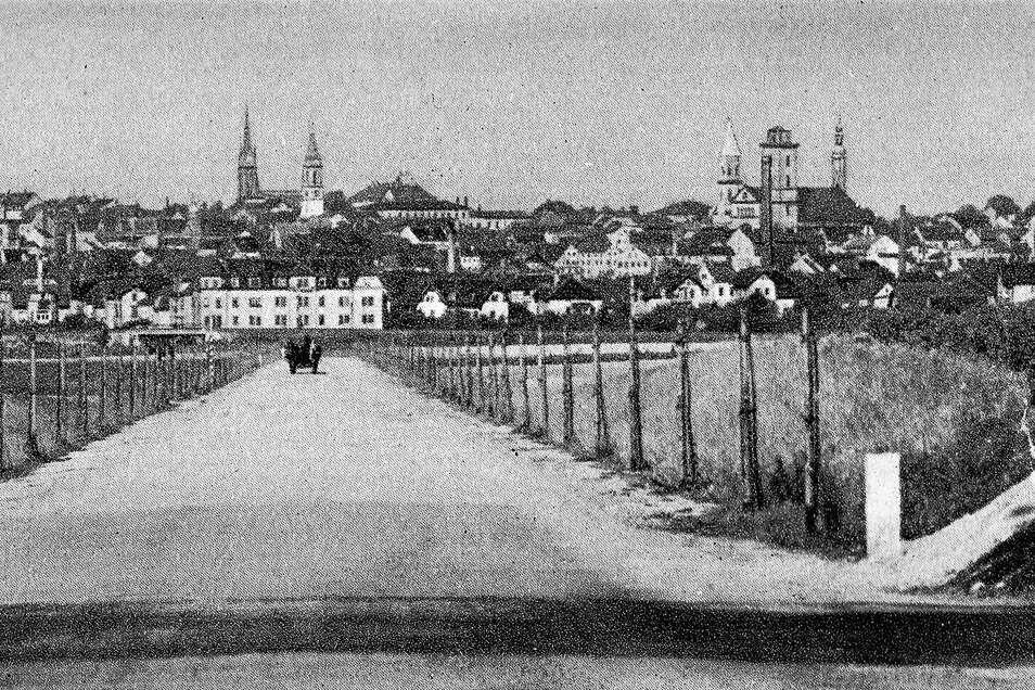 Nur ein Pferdegespann nutzt die Entlastungsstraße von Zittau nach Olbersdorf auf dieser Aufnahme von 1930 - da war die Straße gerade fertig geworden.