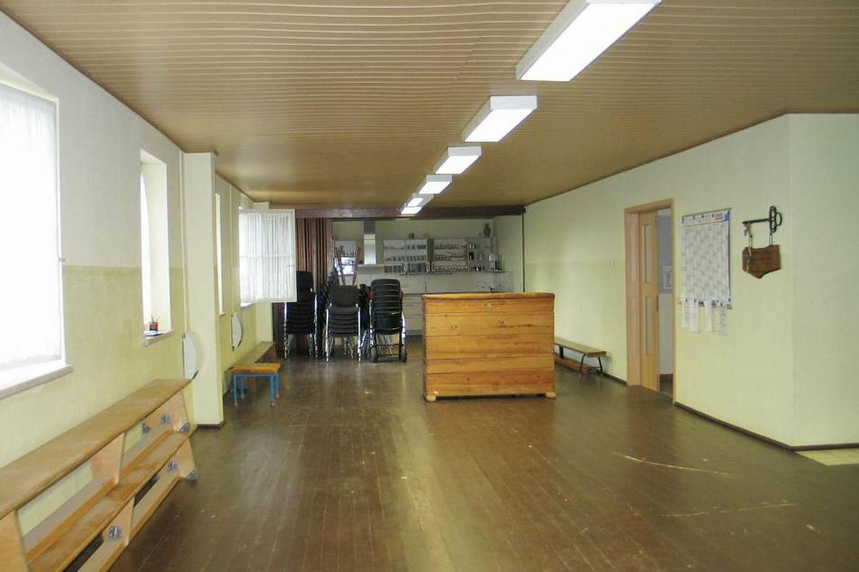 Die Mehrzweckhalle in Rohne war wegen Corona lange Zeit nicht vermietet. Normalerweise wird sie intensiv genutzt – und braucht deshalb jetzt eine Frischekur.