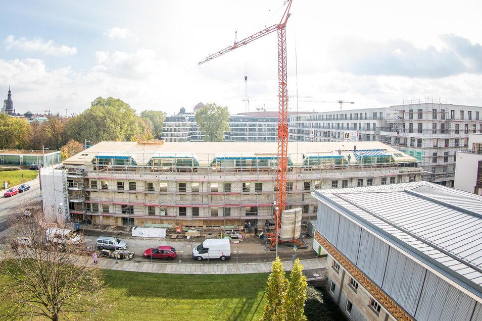 Saals größtes Projekt waren die Wohnhäuser Am Herzogin Garten und die Sanierung der Orangerie.