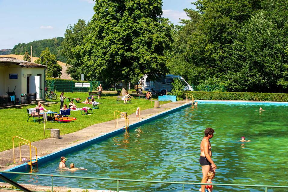 Das Waldbad in Polenz bei Neustadt ist ein echter Geheimtipp. Ruhig gelegen und dazu noch kostenlos.