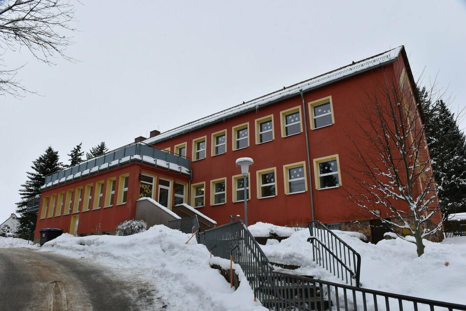 Der DRK-Kindergarten Märchenland in Dippoldiswalde ist die größte Einrichtung im Stadtgebiet. Mit regelmäßigen Tests soll eine eventuelle Corona-Infektion auf eine Gruppe begrenzt werden.