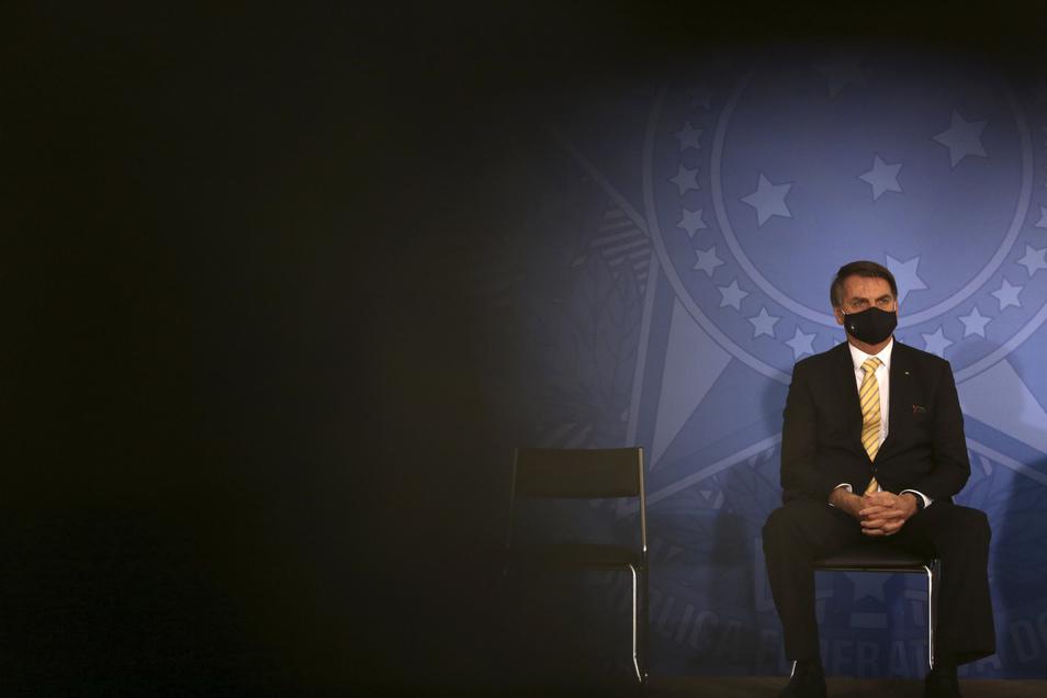 Unbeirrt: Jair Bolsonaro, Präsident von Brasilien, spottet noch immer über Corona.