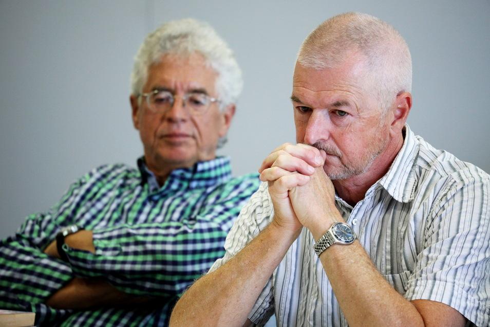 """Die Sprecher des Vereinigten Wirtschaftsforums der Region Riesa, Kurt Hähnichen (l.) und Matthias Mückel. Beide verkündeten jetzt die Absage des für den 16. September geplanten """"B-Day""""."""