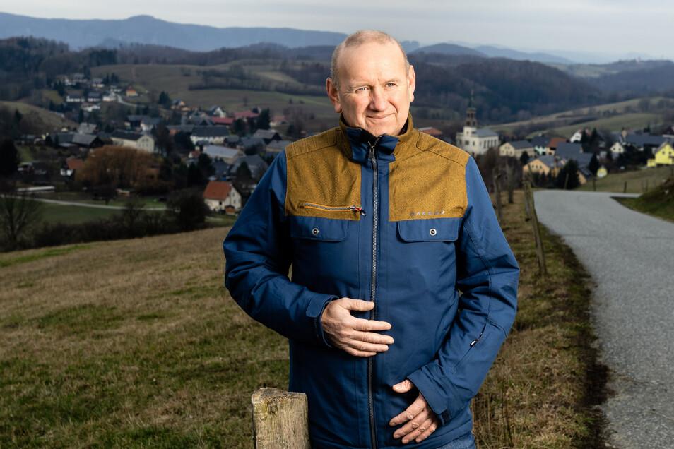 Jörg Hempel von der Agrargenossenschaft Saupsdorf wirbt für mehr Verständnis unter Imkern und Landwirten.